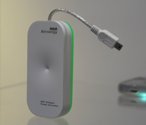 Dit is het masjientje: de 'Airnergy' WiFi-loader.
