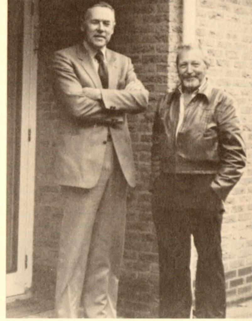Stefan Denaerde (pseud. van Ad Beers; links) met de Amerikaanse UFO-onderzoeker Wendelle C. Stevens, die zijn verhaal onderzocht. (Foto: Brit Elders)