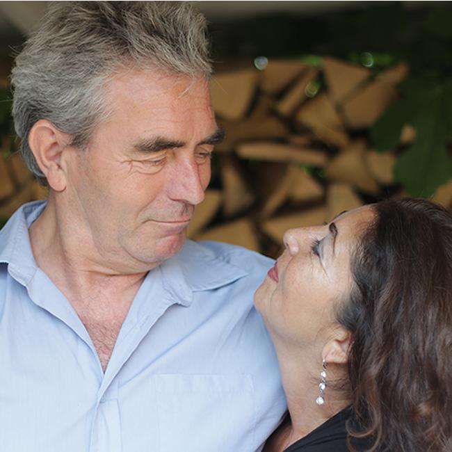 foto-paul-lilian-omslag-liefde-kijkt-naar-liefde-fw