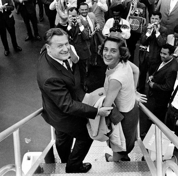 Nelson Rockefeller met zijn vrouw Happy