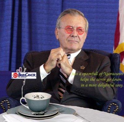 Rumsfeld verkocht eerst als Searle-directeur, het merk Aspartaam aan Monsanto. Later deed hij hetzelfde met de war-on-terror aan het Amerikaanse volk.. Reden genoeg voor deze spotprent.