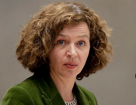Is het pure naïviteit van Edith Schippers, of een uiterst doortrapt spelletje dat ze speelt als VVD-er met 'belangen-ook-elders'..?