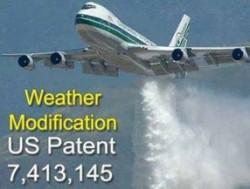 Wist jij dat de overheid in de VS patenten heeft voor de camouflagedeken van chemtrails, die 'weermodificatie' heet..? En dat er zelfs een eigen bedrijf voor is opgericht, met behulp van de CIA...? (klik voor een artikel hierover op de site)